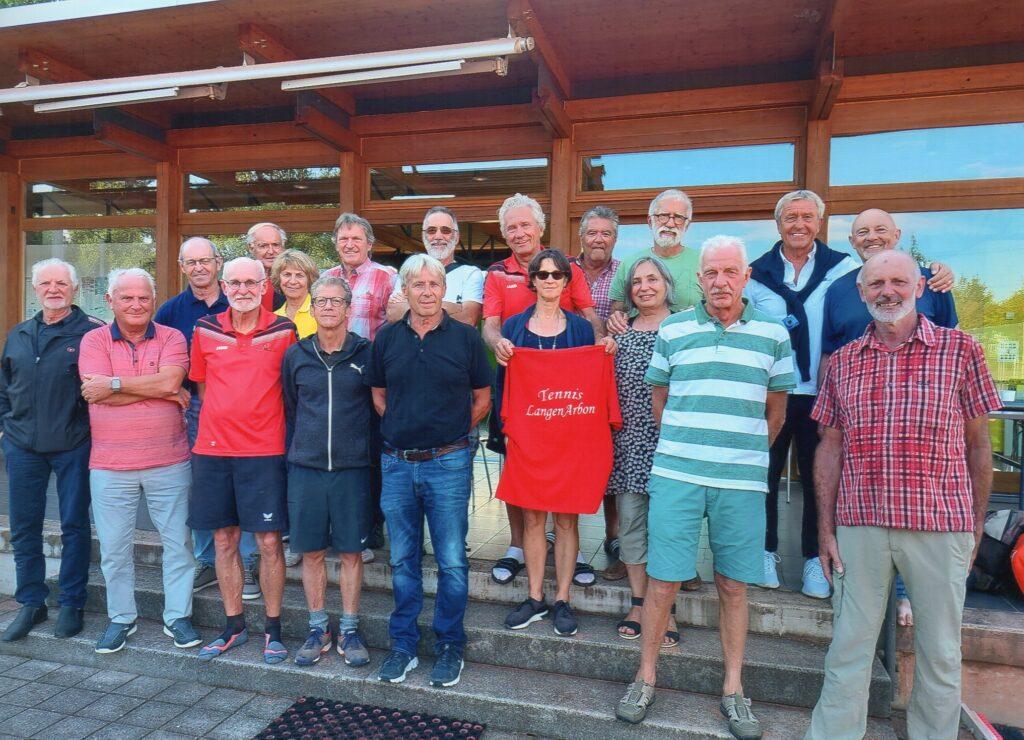 Arboner und Langenargener Tennis-Senioren beim Treffen in Arbon